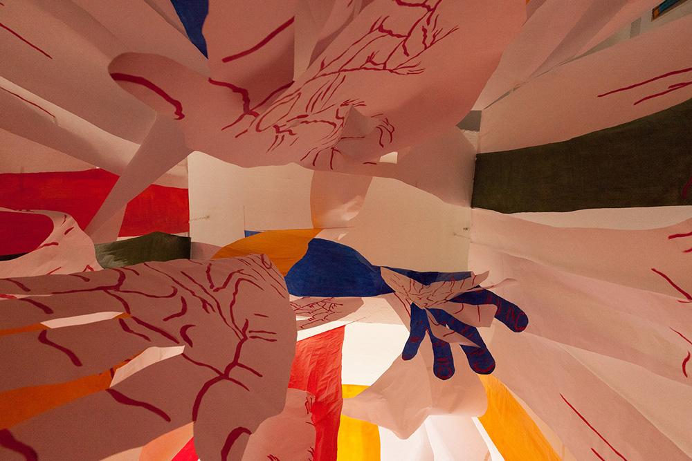 hands-tesseract-tangled-up-hands-mirena-rhee-installation_04.jpg