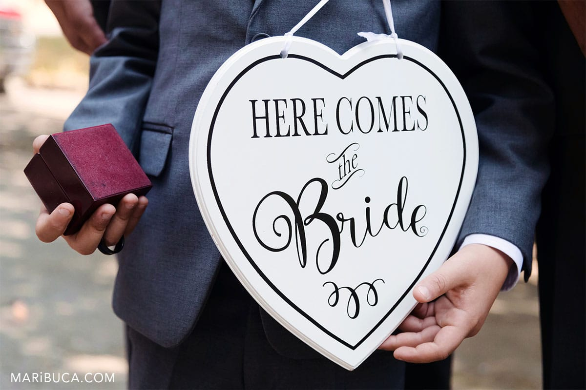 "sign ""here comes the Bride"""