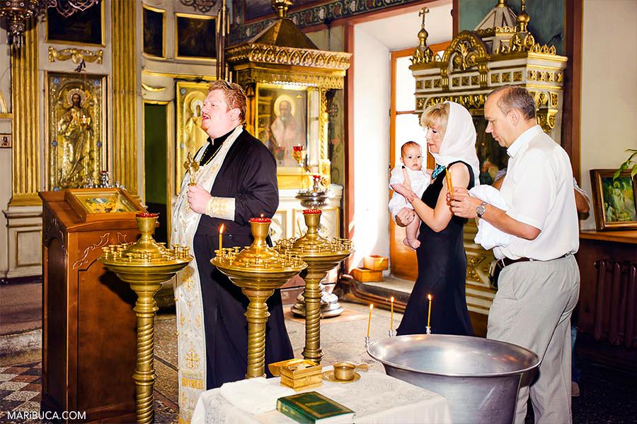 burlingame-christining-baby-godparents-priest