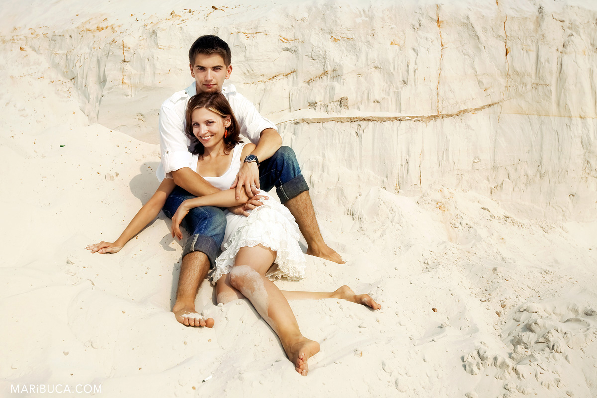 22-white-sands-santa-cruze-engagement-happy-couple.jpg