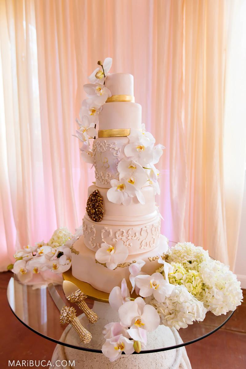 56_56-wedding-cake-saratoga-springs.jpg