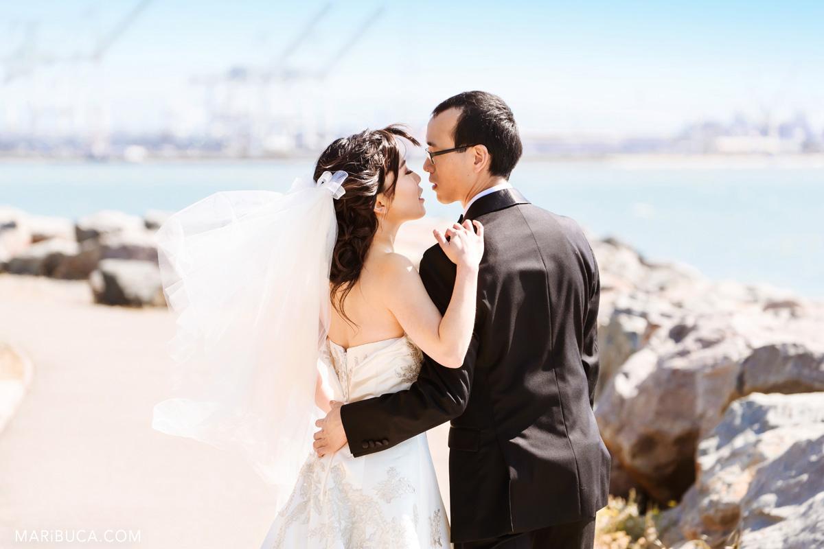 73_72-Half-Moon-Bay-Oceano Hotel-wedding-couple-picture.jpg