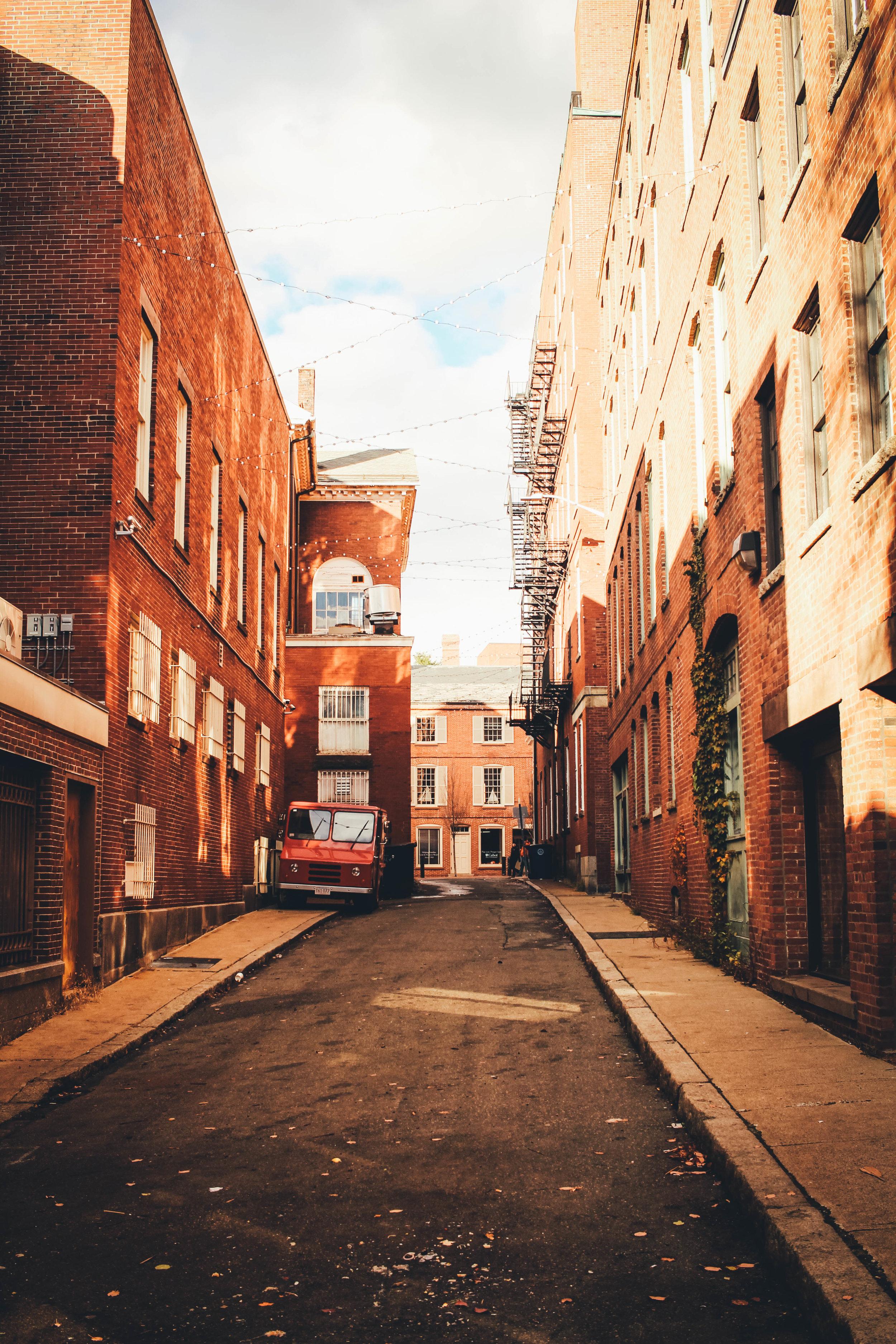 Alley1.jpg