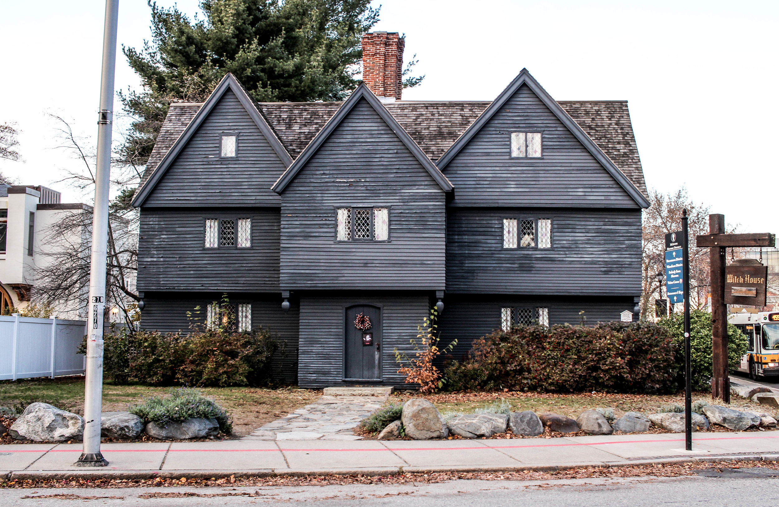 witchhouse5.jpg