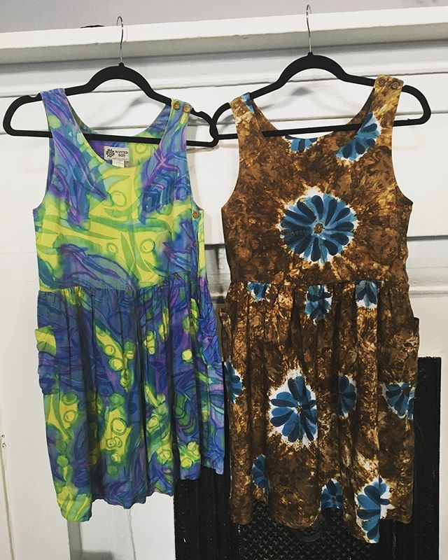 Custom clothing services are are great way to build your wardrobe with nothing but favorites! The dress on the left was a client's favorite for summertime, but it's shorter than what she prefers to wear these days. She picked out some new fabric and voilà—now she has a whole new dress to wear! Contact me with your ideas! . #seamstress #customclothing #slowfashion #ethicalfashion #charleston #sewing #uncommonthreadschs #charlestonseamstress