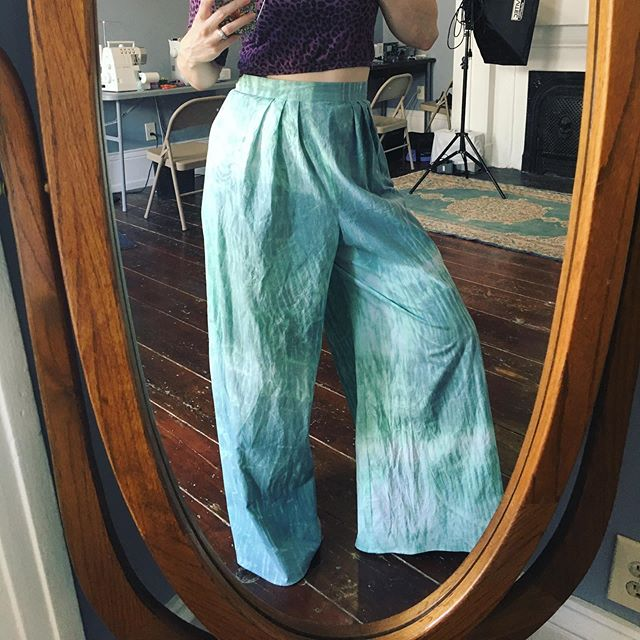 """My dye experiment from the other night came out pretty cool! These pants were dyed in the arashi shibori method and are available! 28"""" waist, 30"""" inseam. Come to my moving party on 7/26 to try them on! . #dyeing #shibori #charleston #handmade #charlestonseamtress #uncommonthreadschs #oneofakind"""