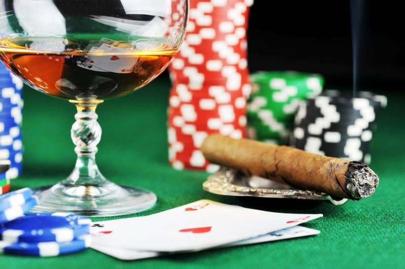 Every Monday and Thursday, join us for Texas Hold Em, craft bourbon specials, and cigar specials.