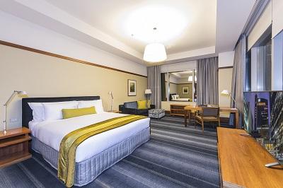Standard King Room v2.jpg