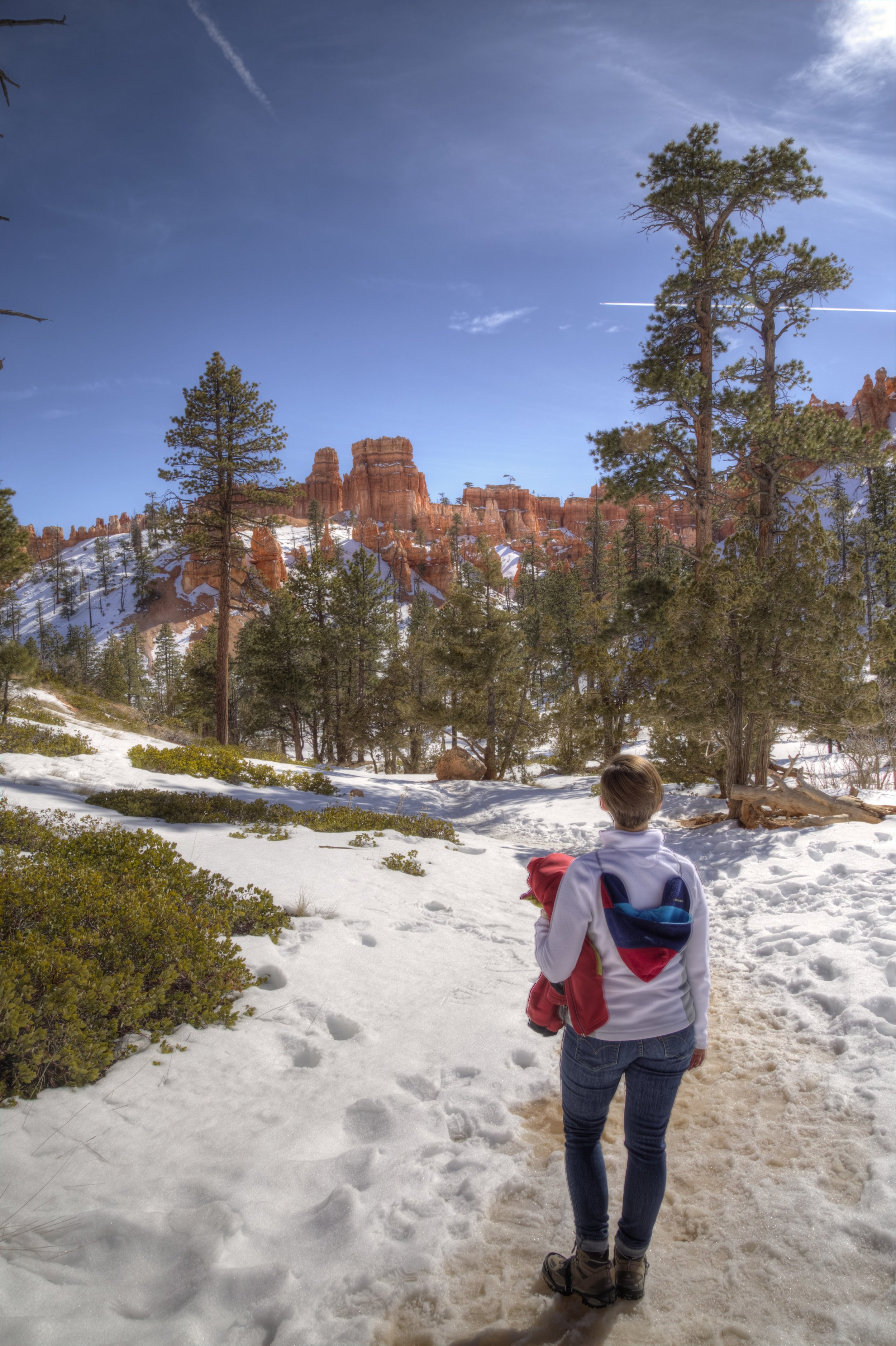 Epic (and spontaneous) wintertime hike @  Bryce Canyon National Park.   @roger.cummings