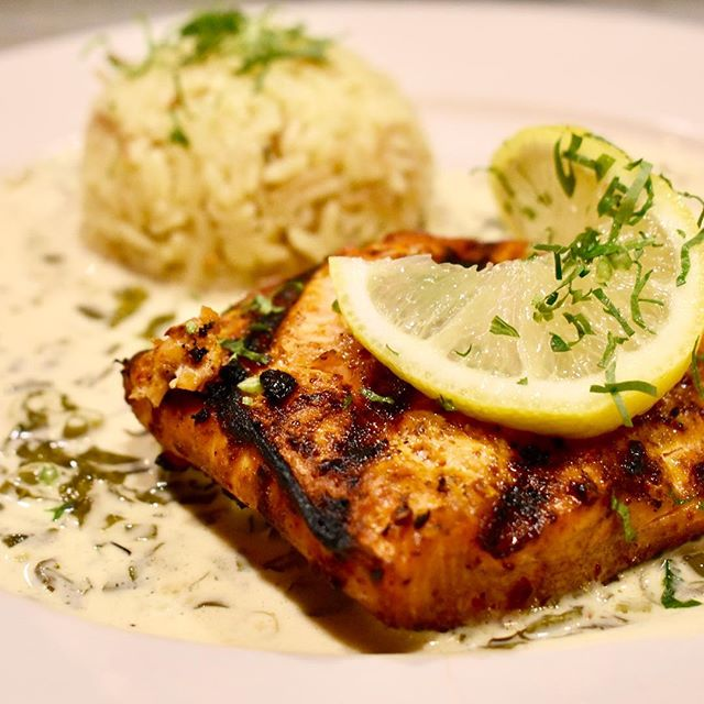 Dinner time! #zaytoon #santabarbara #wildsalmon #ricepilaf #fatoush #basilcream #hungry #mezzathyme