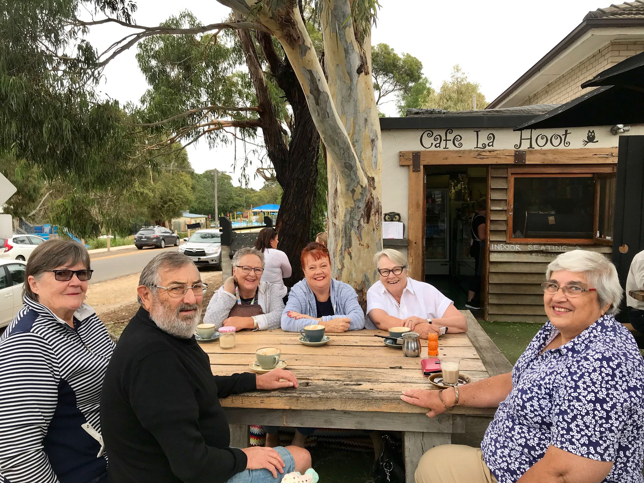 Jenny Bowker, Graham Lee, Laurel McLennan, Veronica McDonald and Julie Oataway and I at the Cafe La Hoot in the beautiful Winchelsea.