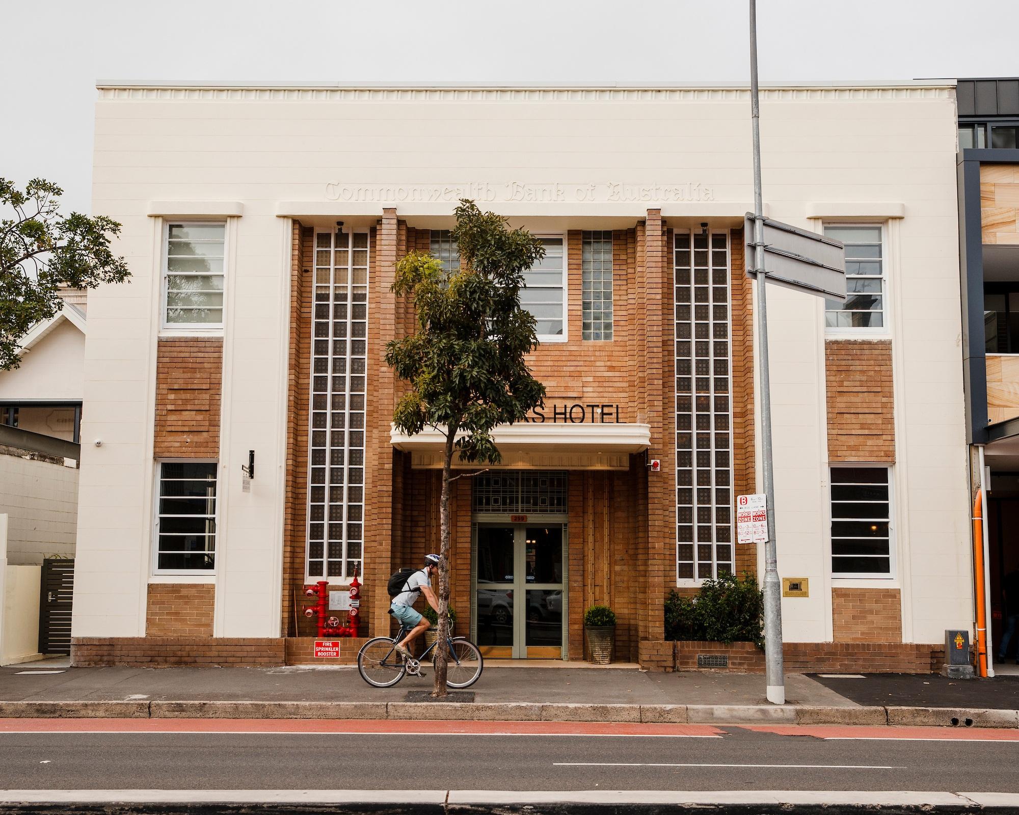 MRS BANKS HOTEL - 259 OXFORD STREET