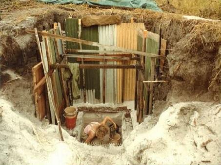 Rob Neal's excavation during the 1980s of Wallen Wallen Creek, Southeast Queensland© Everick Foundation Ltd.