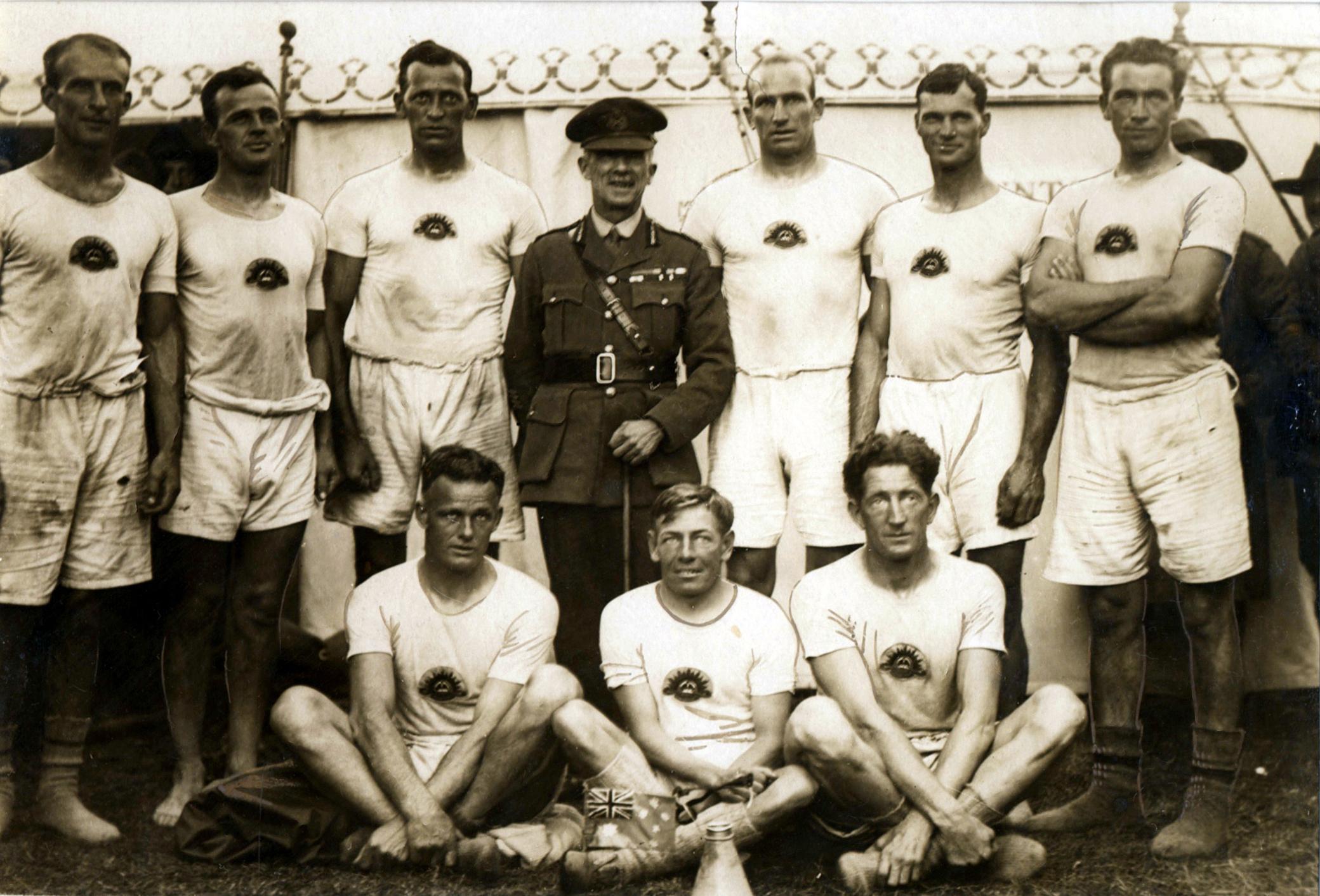 The-AIF-N0.1-Crew.-Winners-of-the-1919-Royal-Henley-Peace-Regatta-v2.jpg