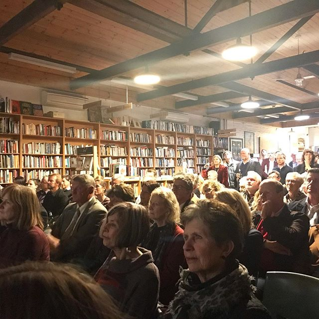 Quite a crowd for the launch of Scott Paterson's book 'The Oarsmen' - the story of the Australian crew that won in 1919 📚🏆 #thekingscup  #oarsometogether  #fittestandfinest
