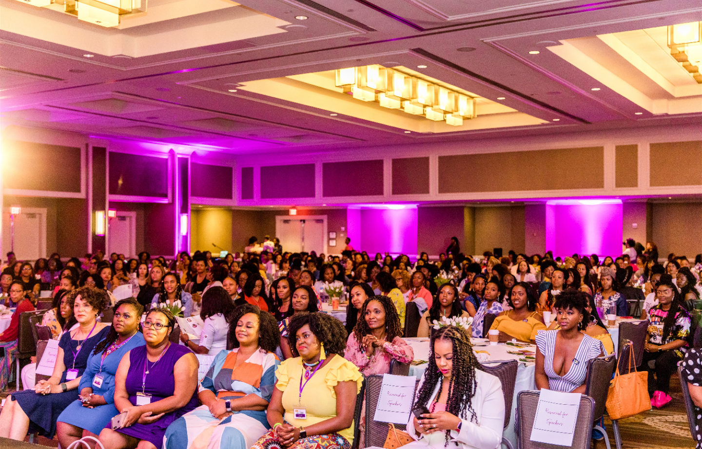 Opening session with 500 millennial moms and plenty of Black Mom Magic. Photo Credit: Iris Mannings (https://www.irismannings.com/)