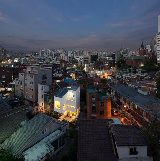 [중앙일보] 도심형 작은집 <하정가>   [커버스토리] 회색 도시 위에 그림 같은 집을 짓고