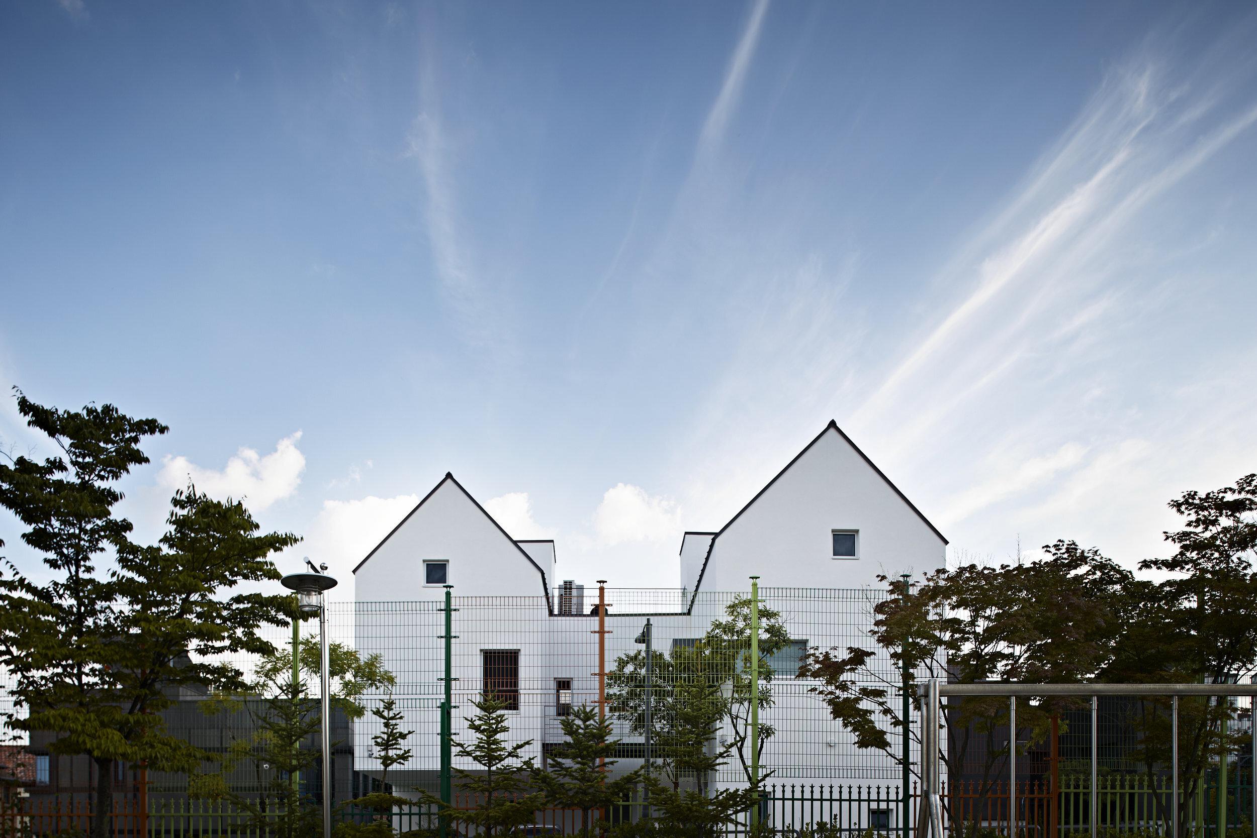 51d87adae8e44ed53800004c_house-of-uchigami-keisuke-kawaguchi-k2-design_035.jpg