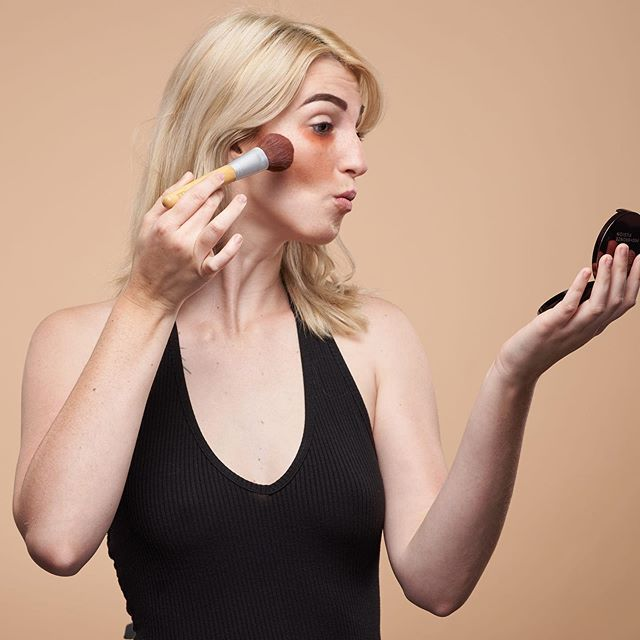 Tag someone who takes way too much time in their makeup. . . Happy to announce Confident! A make up workshop by professional makeup artist Amy Lingenfelter. Learn a 10 min makeup routine designed to enhance your natural beauty, save you time and stress, and tips to avoid common makeup mistakes! Who's excited??? Link in bio . . . . . . . #bayareabuzz #brentwood #brentwoodca #makeup #makeupartist #thingstodoinbrentwood #momsofbrentwood #brentwoodmoms #makeuptips #makeupworkshop #beautyworkshop #bayareaworkshops #discoverybay #livermore #pleasanton #dublin #sanramon #walnutcreek #concord