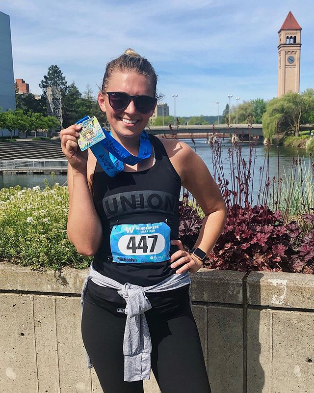Hell yeah to all the athletes that hit the pavement & crushed the Windermere Marathon & Half today! 🏃‍♂️🔥 Extra sweaty brownie points to our babe Michaelyn, for her getting her newest PR & doing it looking fabulous AF! . . . . #sweatspokane