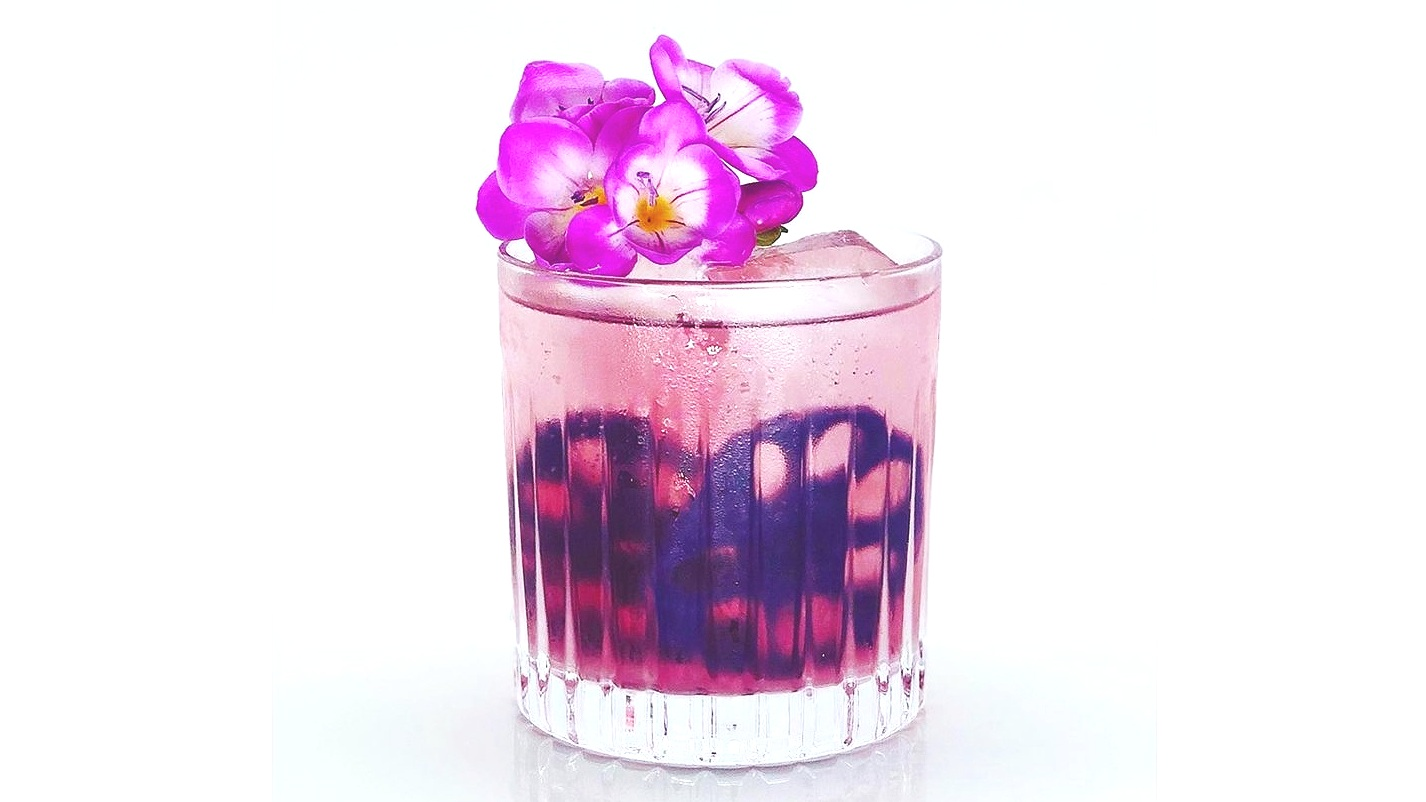 Lotus+Root+Slices+in+Butterfly+Pea+%26+Elderflower+Syrup+6.jpg