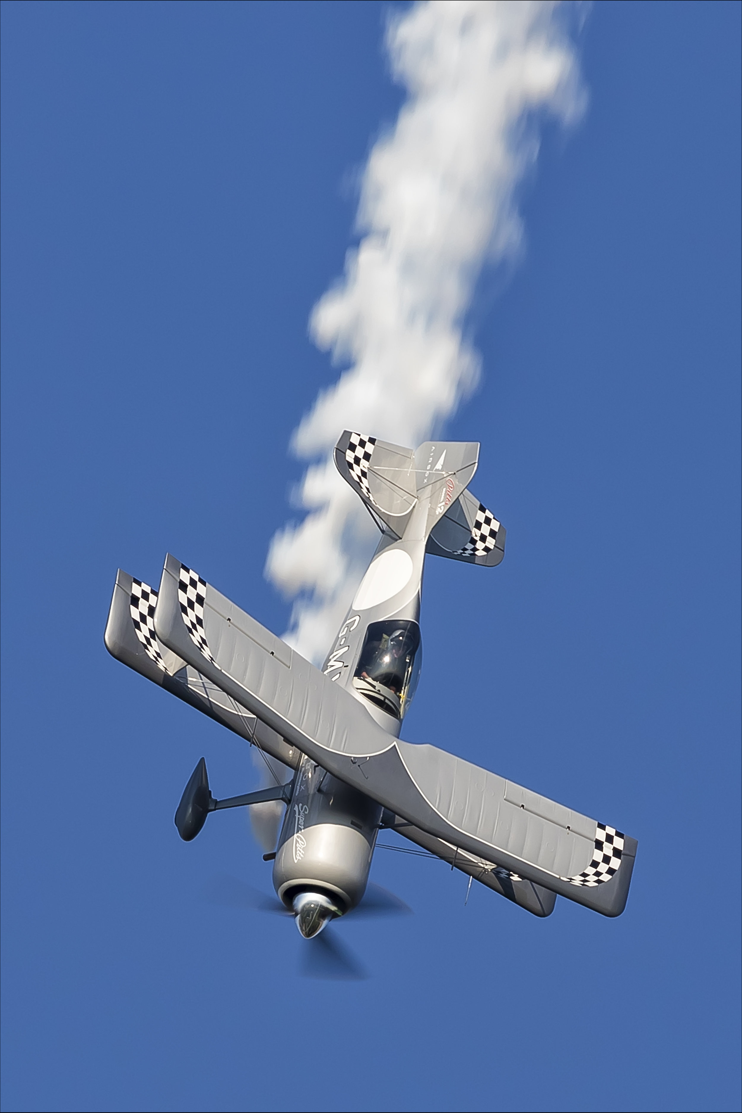 areobatic air display - air show - pitts special air display - air show uk - arobatic pilot.jpg