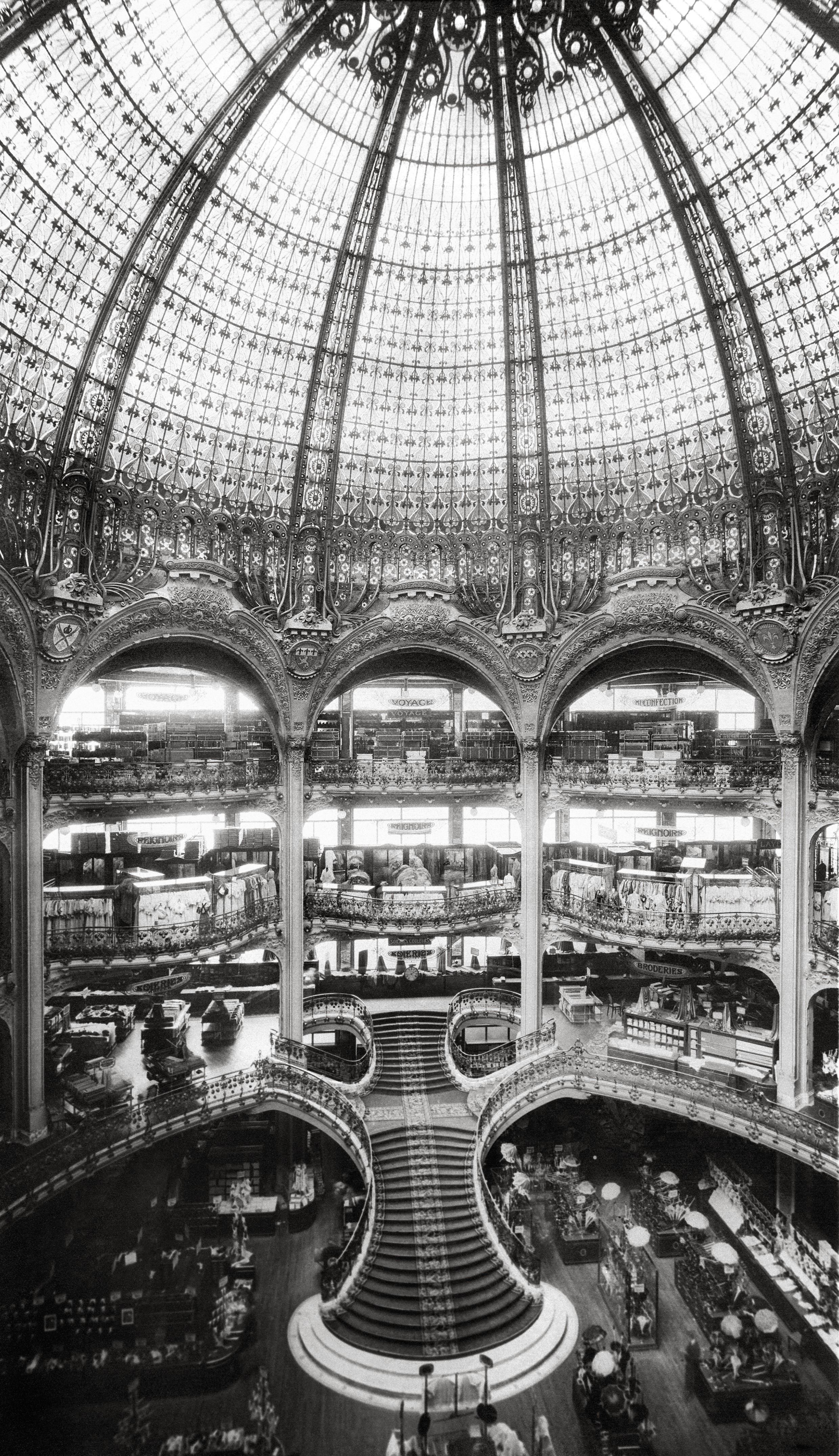 Construction du Grand Escalier © Archives Galeries Lafayette