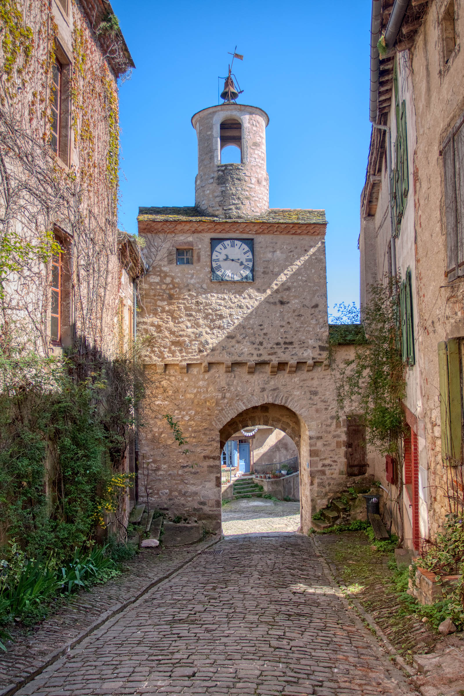 One of many gateways to Cordes-sur-Ciel