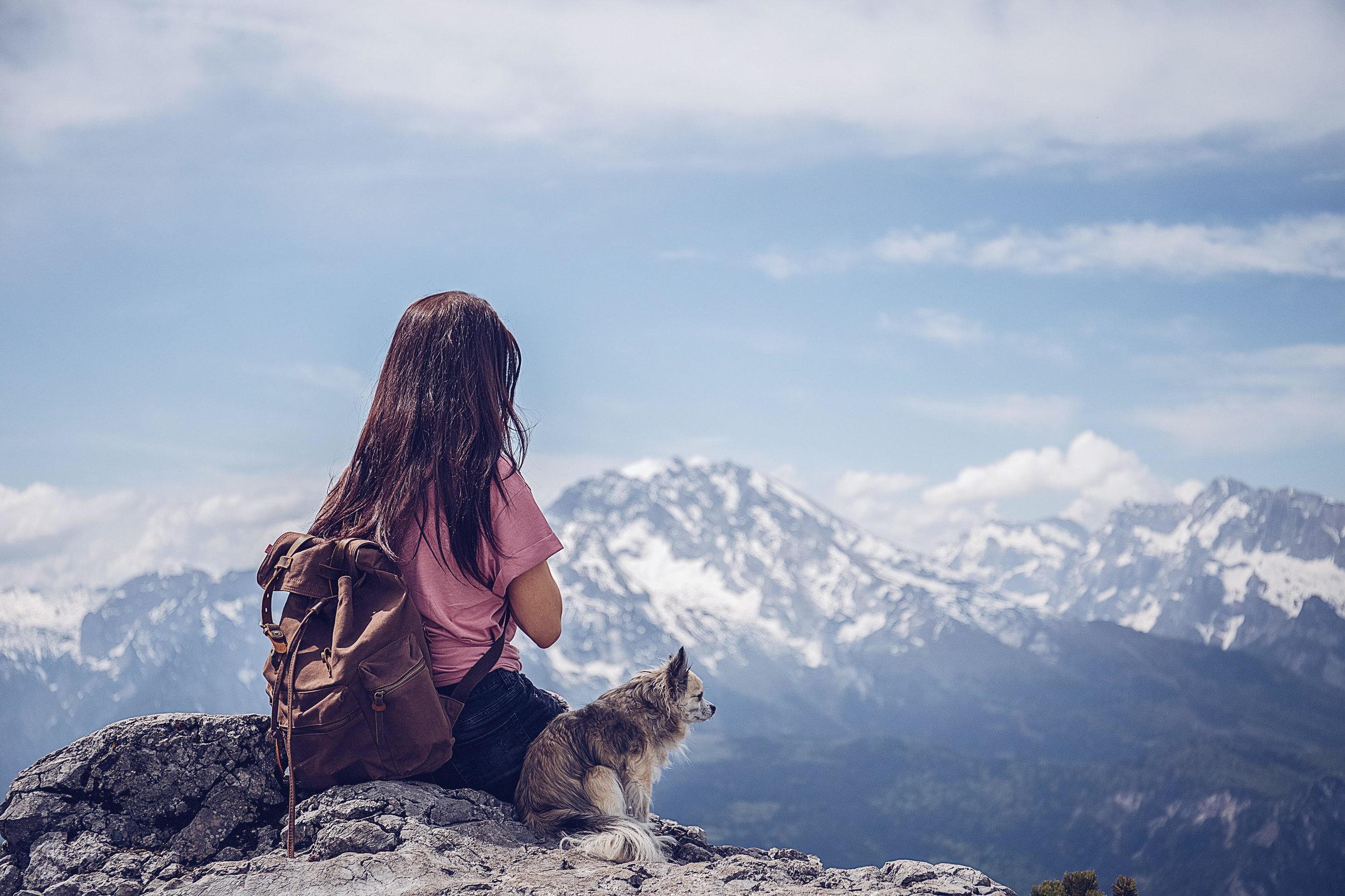 JenniferSpurkFotografie - Berchtesgaden - Girl with dog in mountains