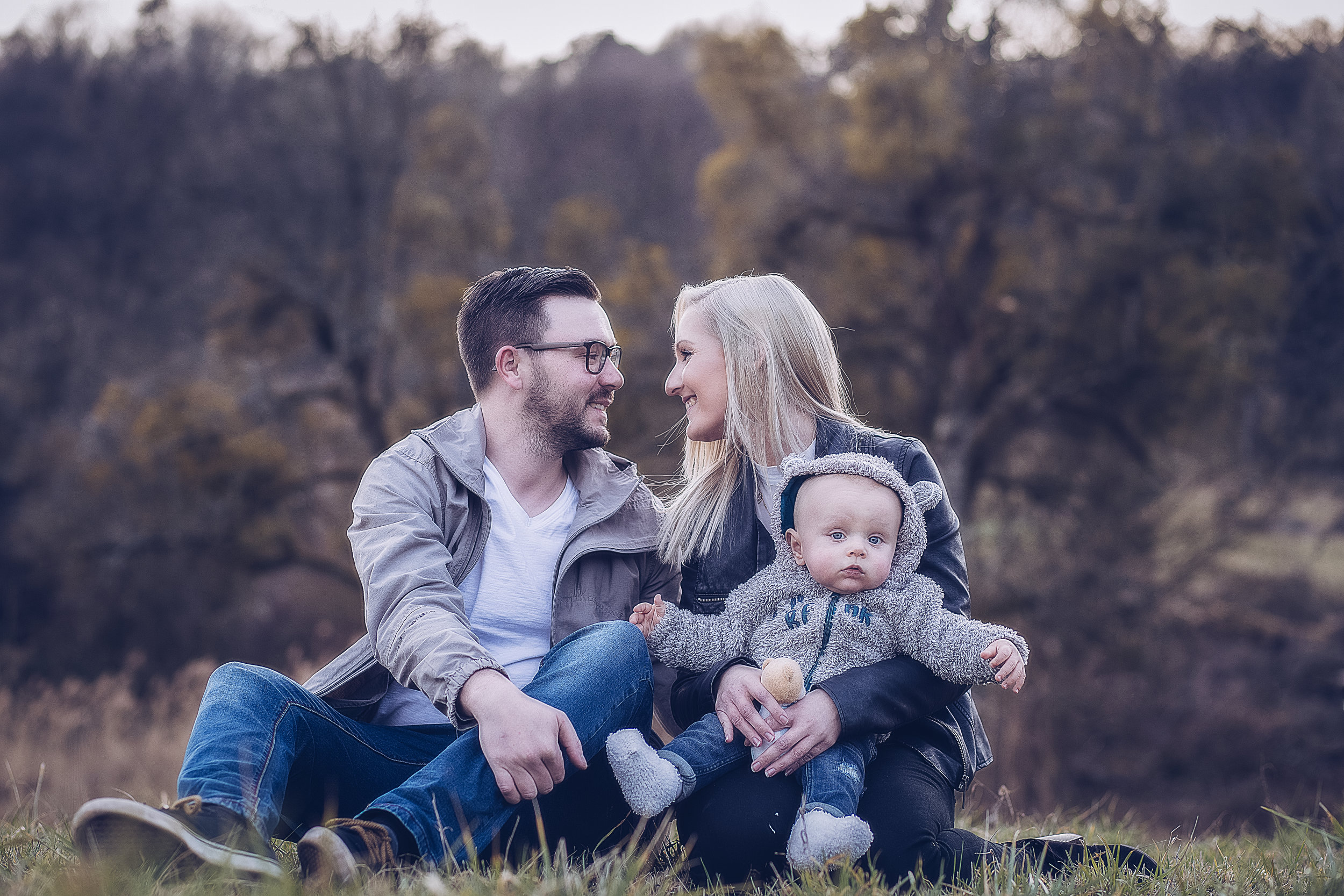 JenniferSpurkFotografie-Familyshooting - Paar mit Baby2