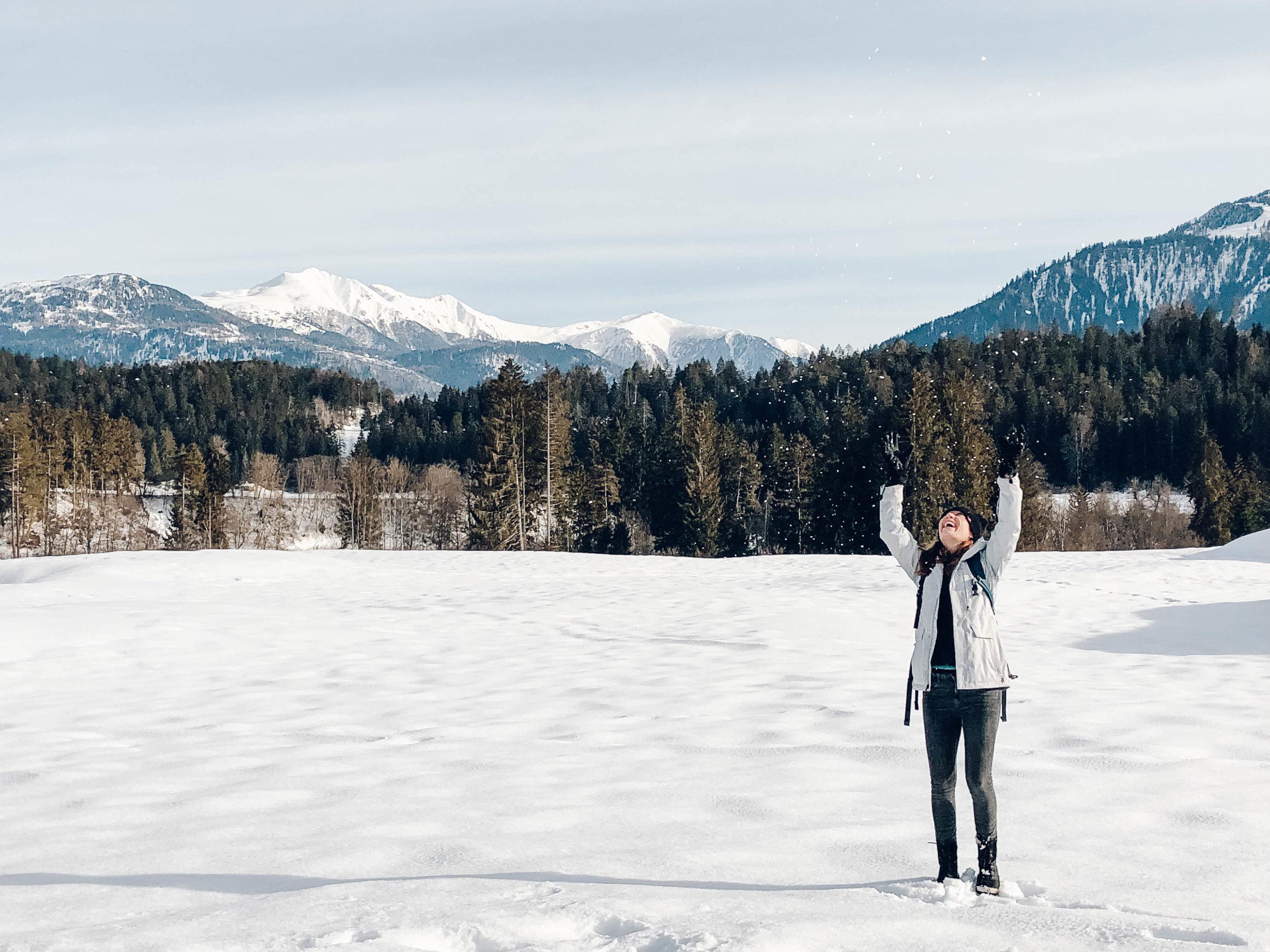 alex throws snow.jpg