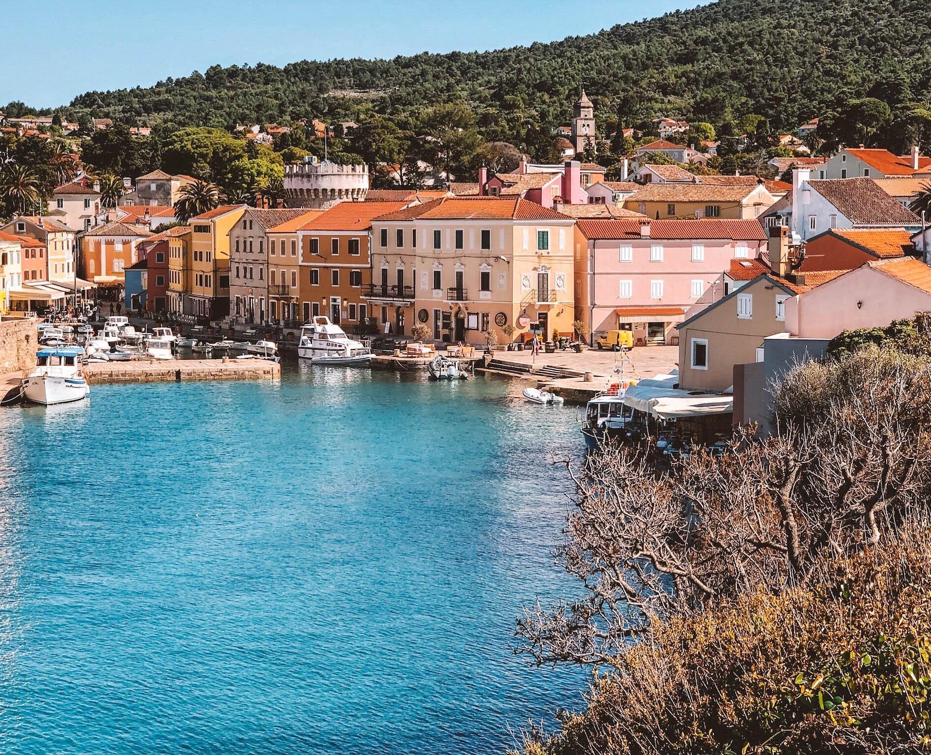 The pastel town of Veli Lôsinj, Croatia