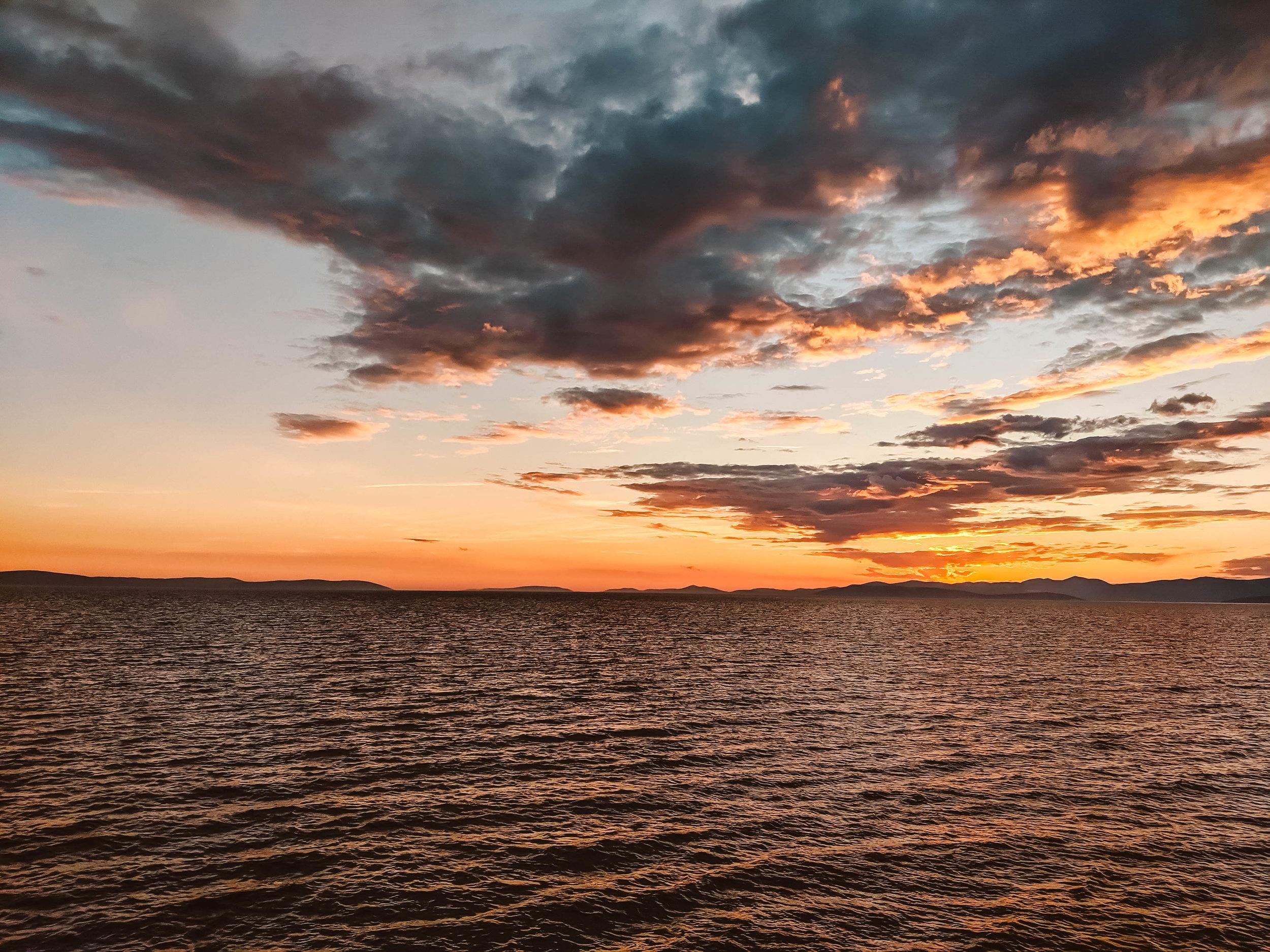 Zlatni sunset.jpg