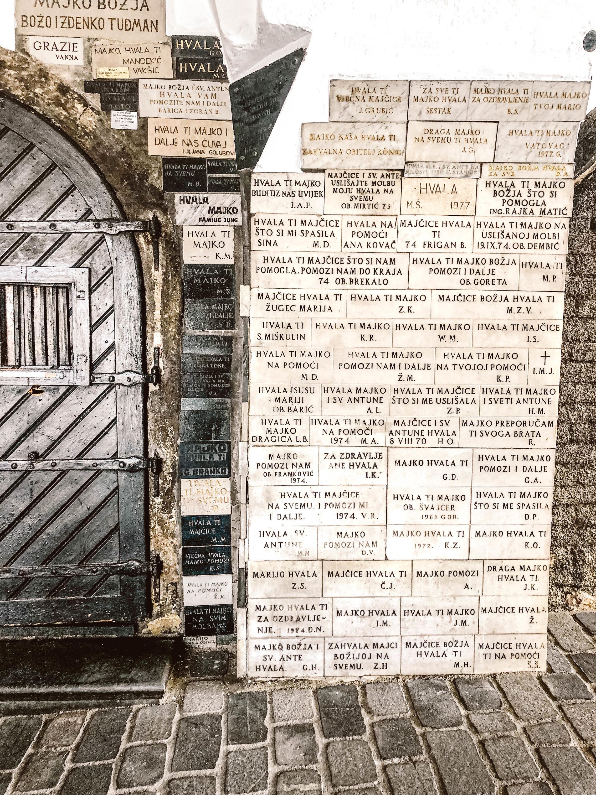 Zagreb stone gate.jpg
