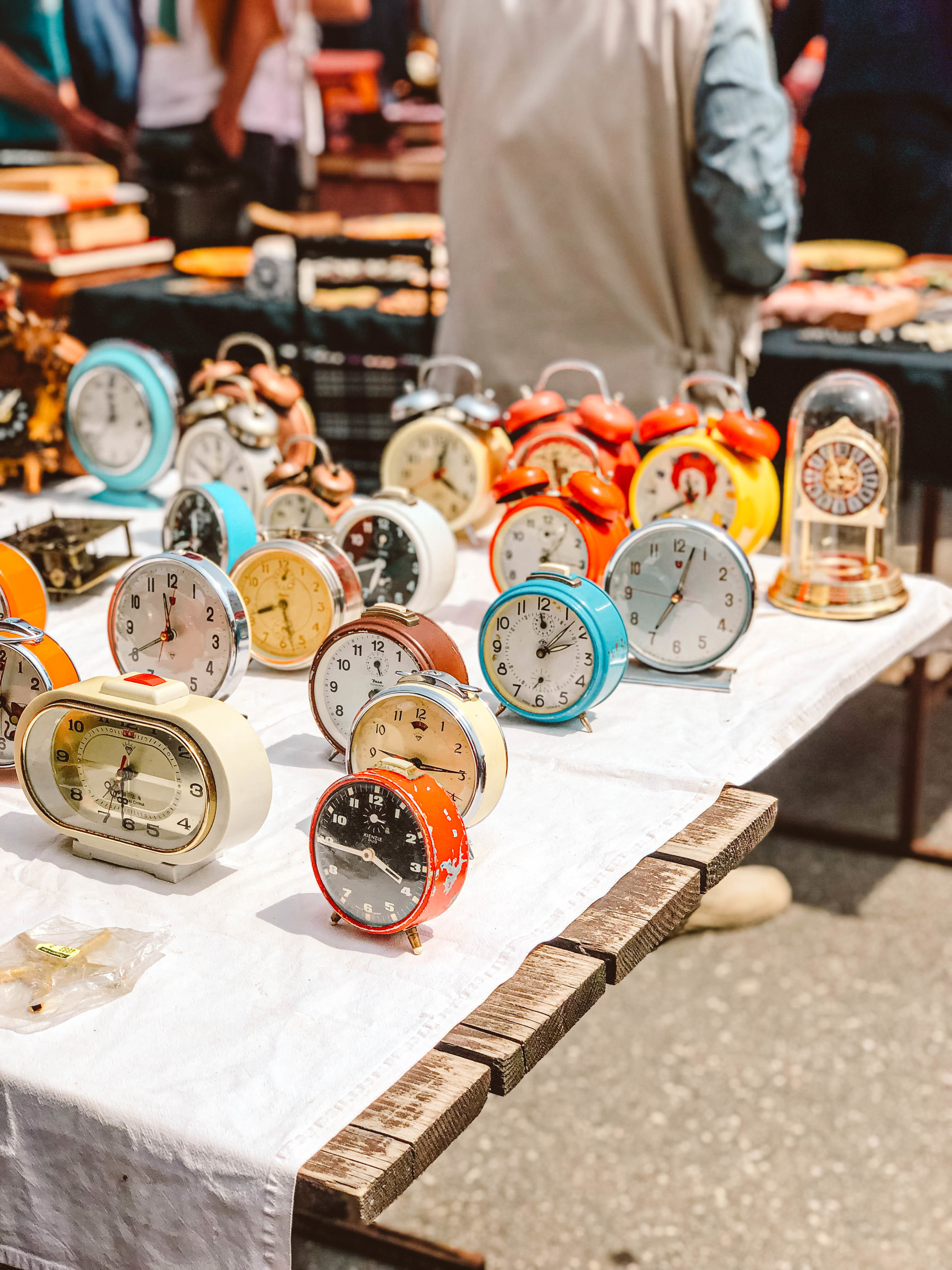 Zagreb Antique fair clocks.jpg