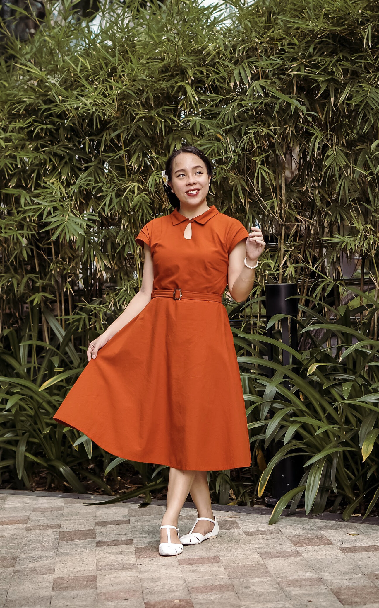 Lizzy wearing Rose's Wardrobe new 'Josie' dress (gifted to Lizzy), available in a range of colours and fabrics including this beautiful Sizzle - Hemp/organic cotton fabric.