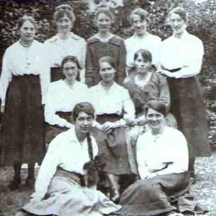A group of female workers from Arthur Bell's Mill, 1919