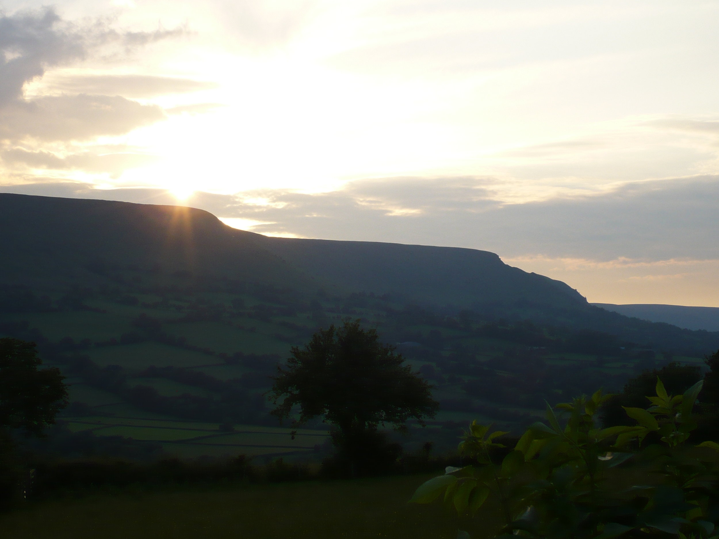 Sunsetting over Hatterall Hill (2008)
