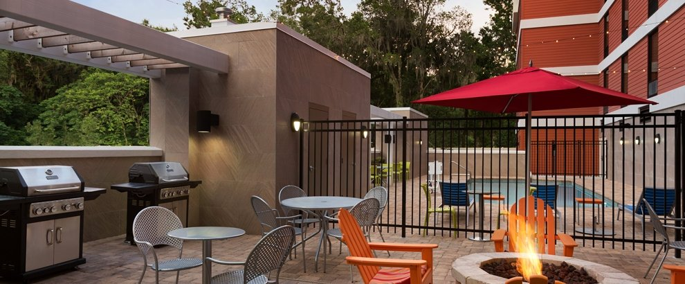 Outdoor Patio and Grills