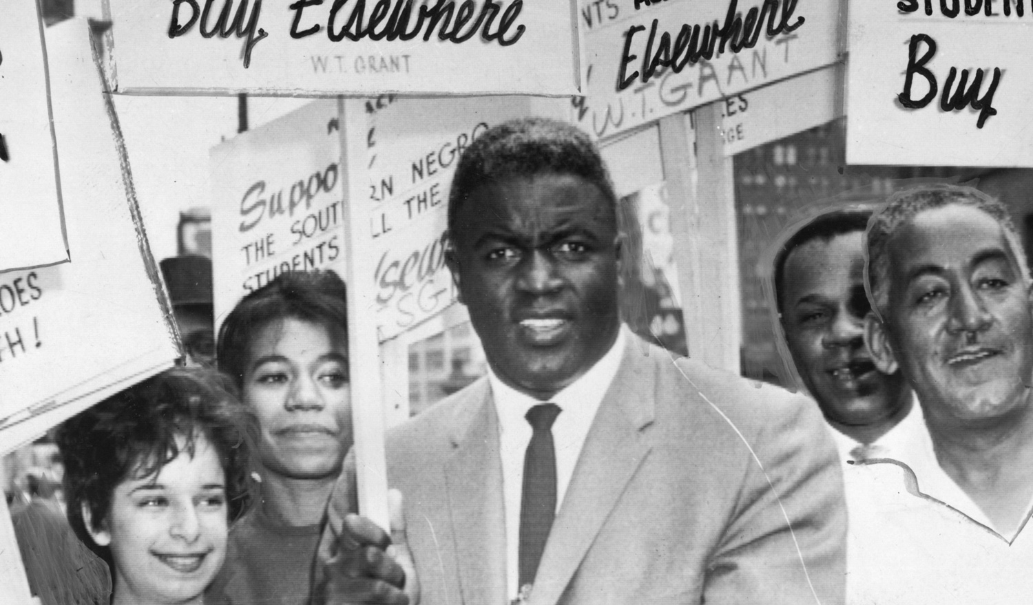 Jackie Robinson supports students in the American south with the NAACP, 1955.  Afro American Newspapers/Gado/Getty Images