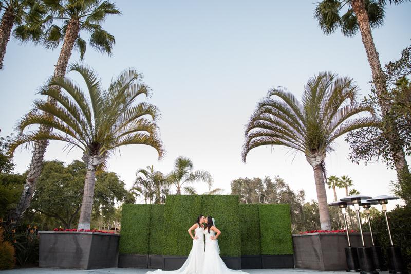 SanDiego-Wedding-JohnnaNic-040.jpg
