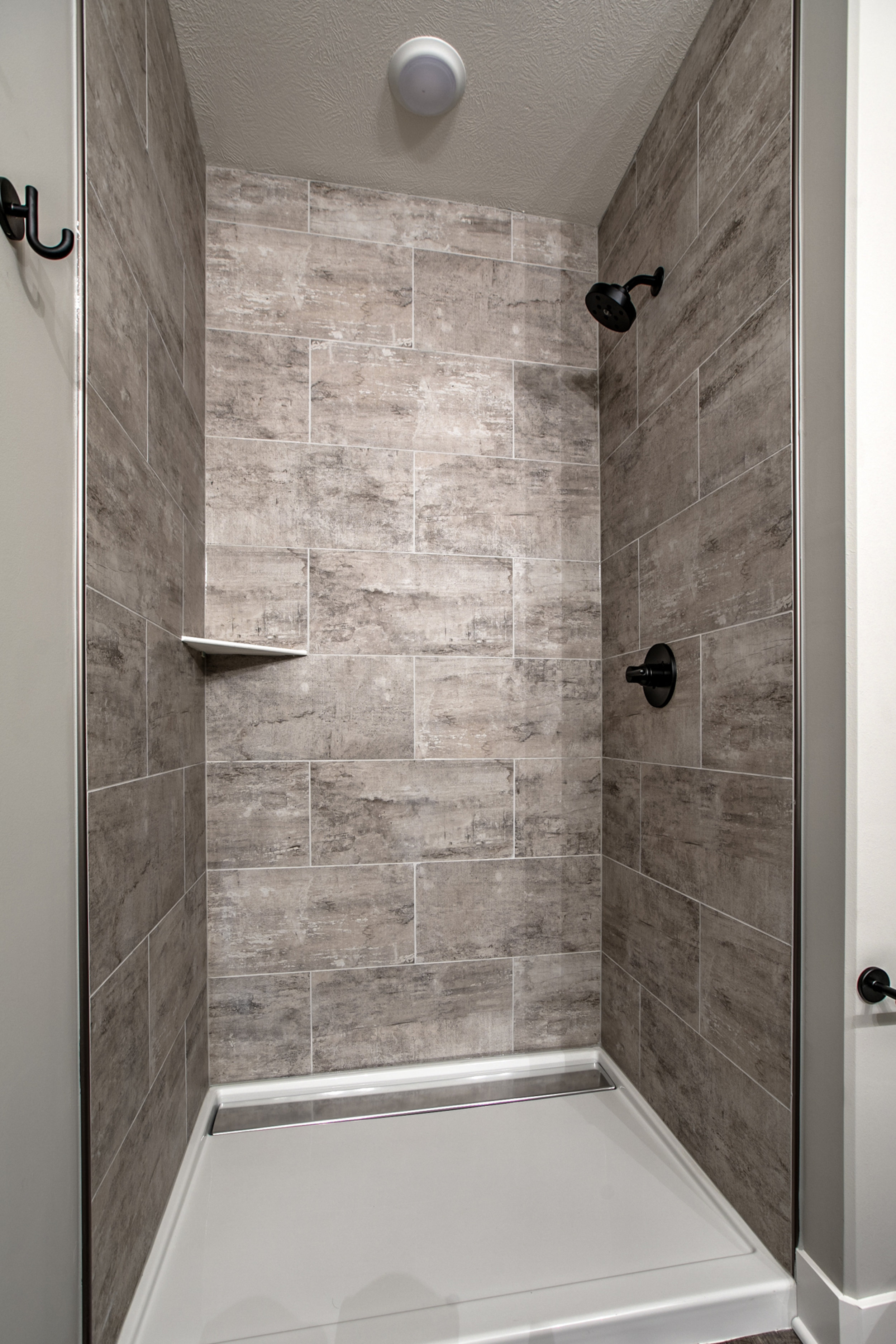 The Downstairs Shower | Laid Back Lifestyle