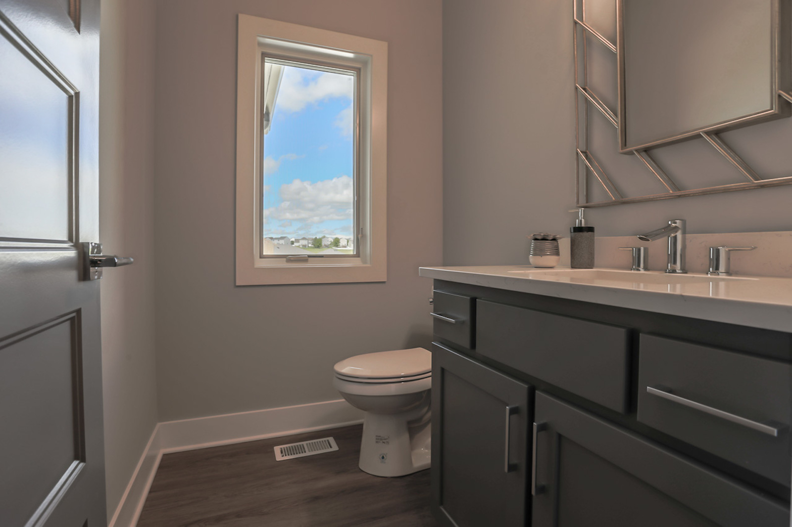 The Guest Bathroom | Laid Back Lifestyle