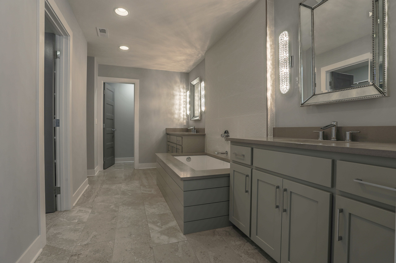 The Master Bathroom | Laid Back Lifestyle