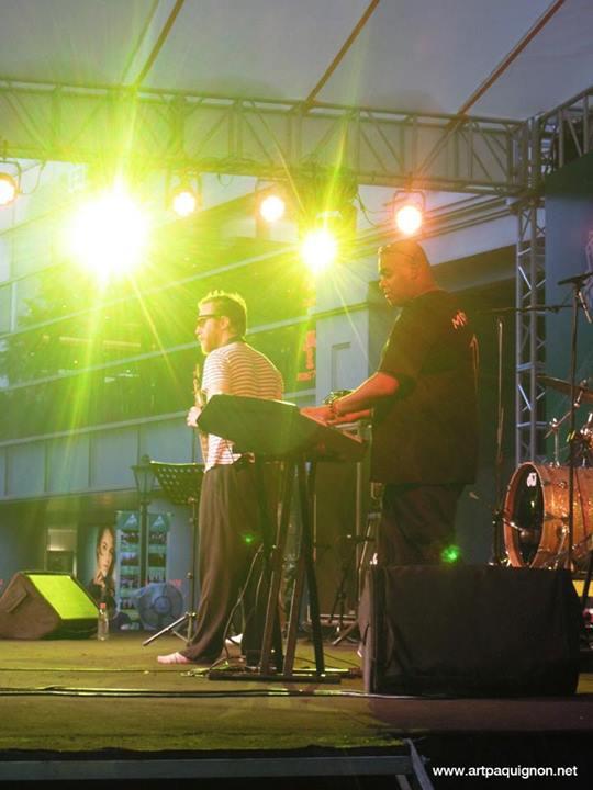 Quentin Paquignon Quartet @ Fete de la Musique Xintiandi Shanghai 2013-12.jpg