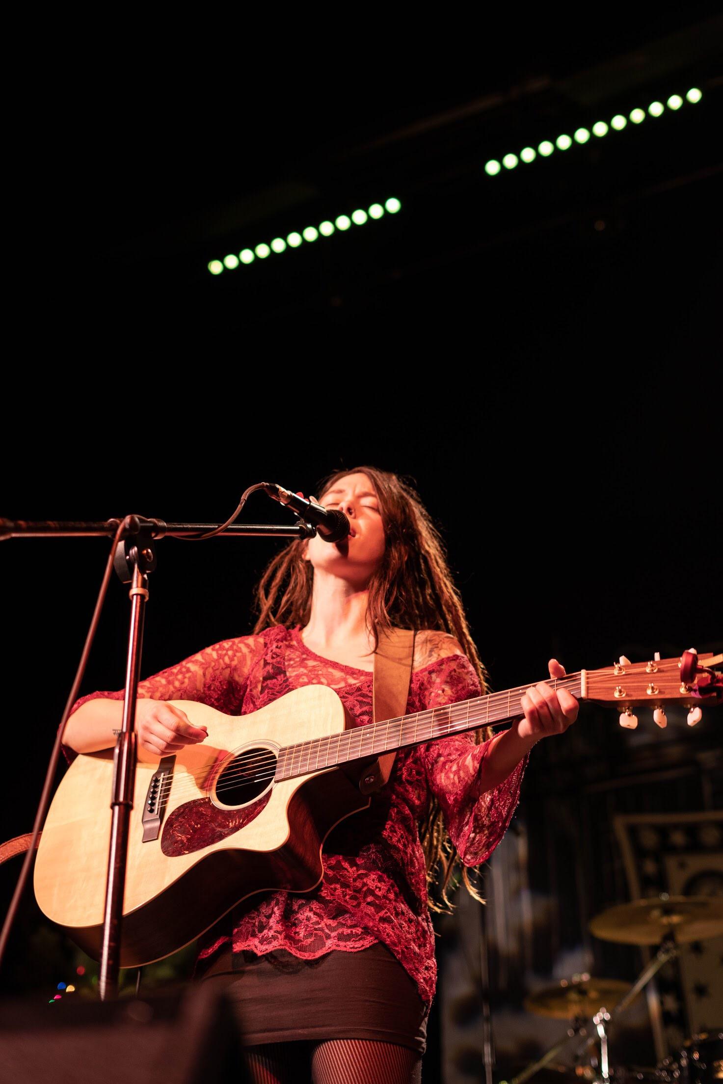 Savanna Woods - Lead Vocalist/acoustic guitar