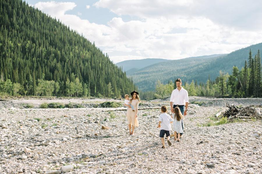 Calgary newborn and family photographer