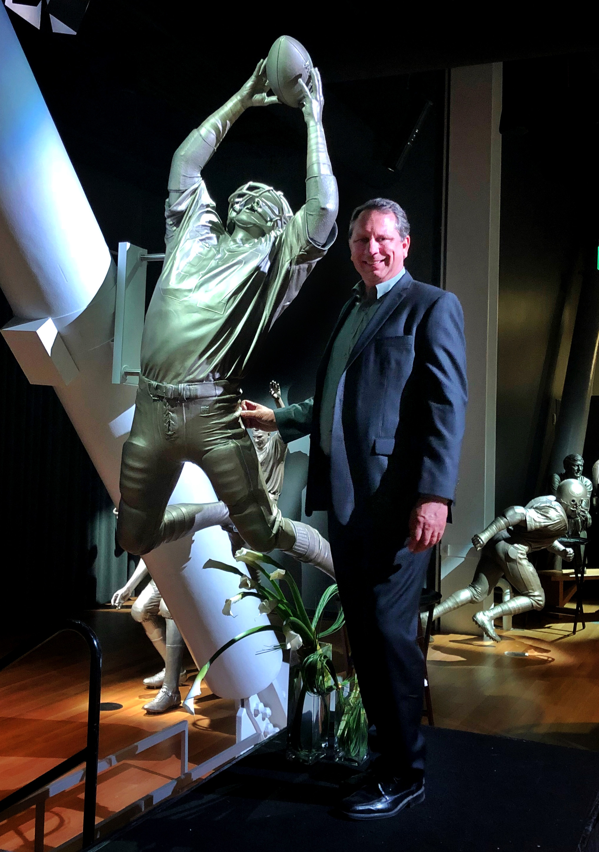 Mike Piscotty at Dwight Clark statue, 49er Museum at Levi Stadium