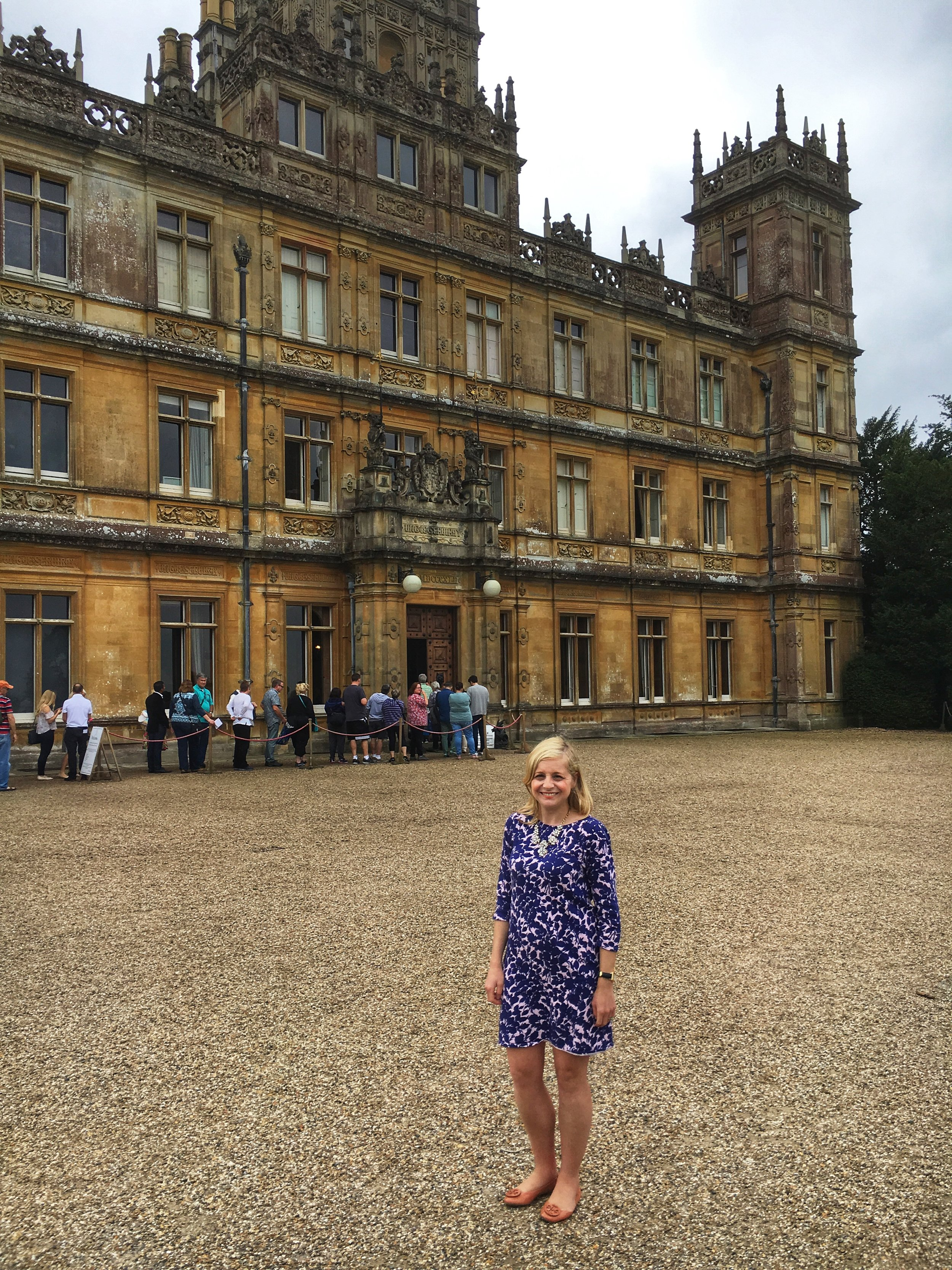 Highclere Castle ( Downton Abbey filming location )