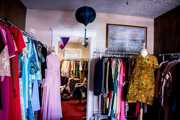 Vintage Shopping Do's and Don'ts -